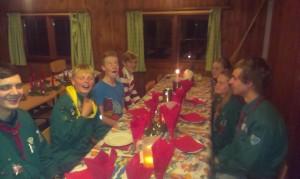 Så er vi klar til at spise den dejlige julemiddag.
